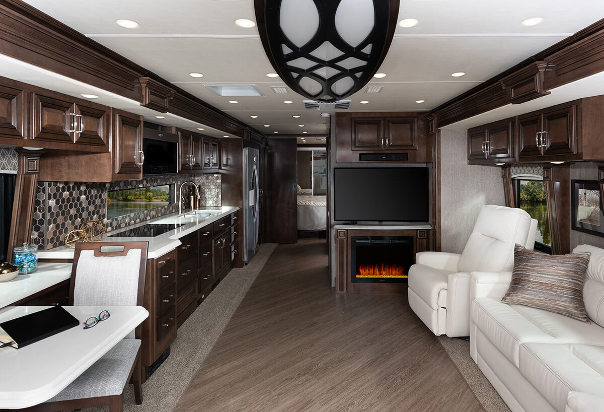 Navigator 38F - Copper Décor with Amber Cabinetry